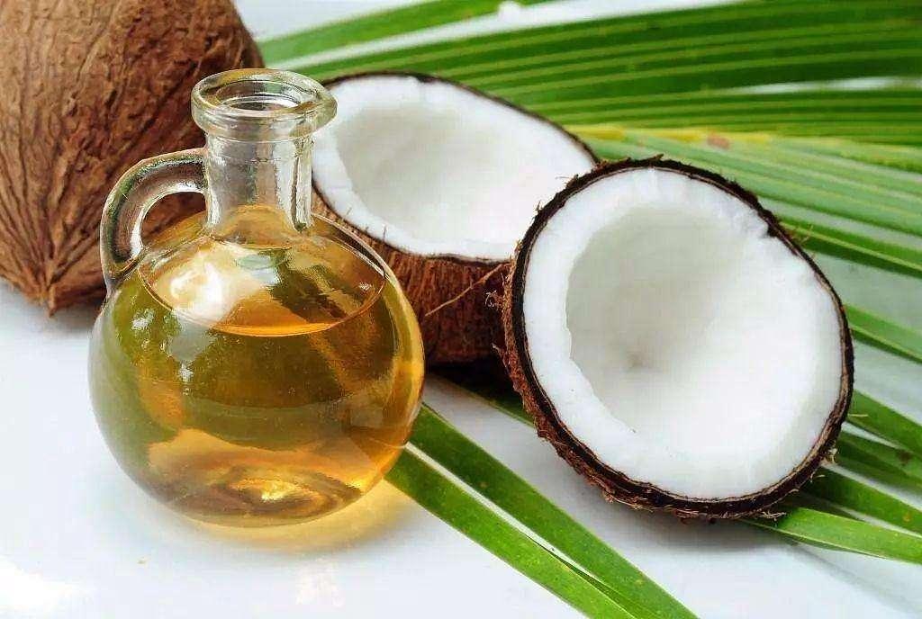 椰子油 (coconut oil)